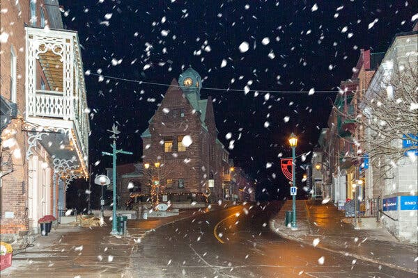 A Canadian Town Is a Festive Anywhere, U.S.A., Onscreen