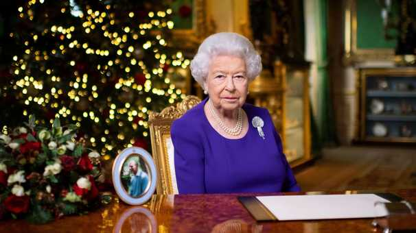 After tough year, Queen Elizabeth delivers message of hope in Christmas speech
