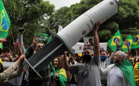 As Covid Cases Rise, Brazil's Vaccine Plan Is Mired in Chaos
