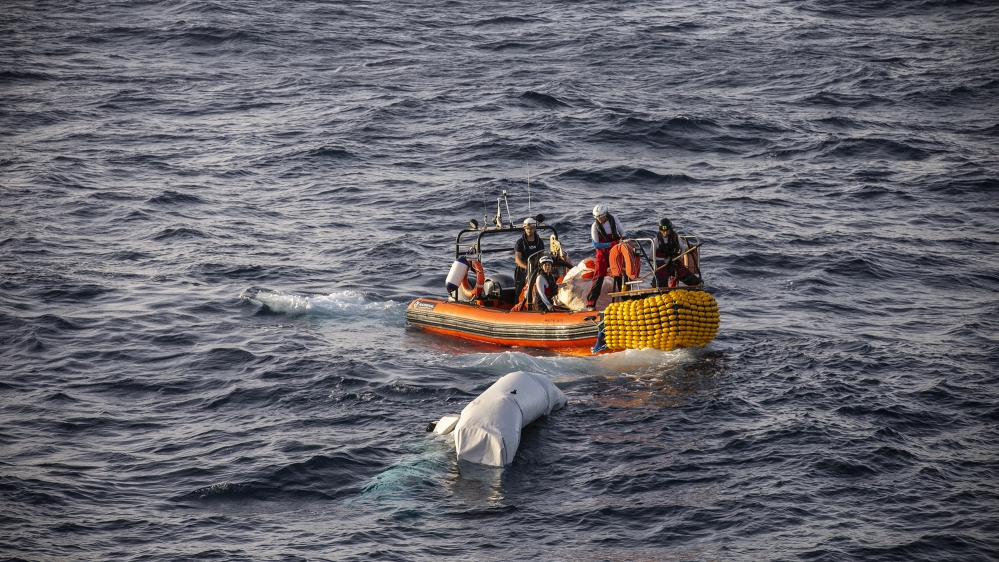 At least 20 migrants drown after boat sinks off Tunisia