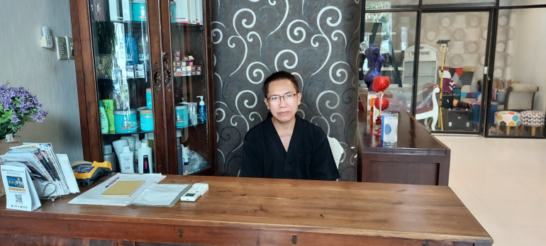 Empty salons: Indonesia's transgender women count cost of COVID