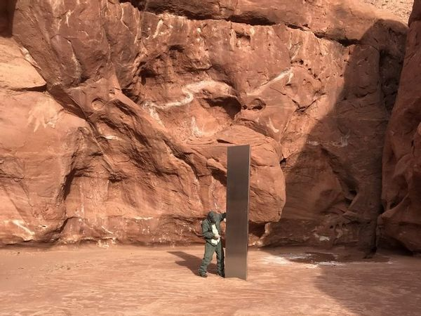 Mysterious Metal Monolith Found in Middle of Utah Desert Leaves All Intrigued – Times Now News