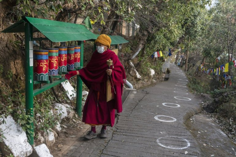 India: Tibetans in exile vote to elect new political leader