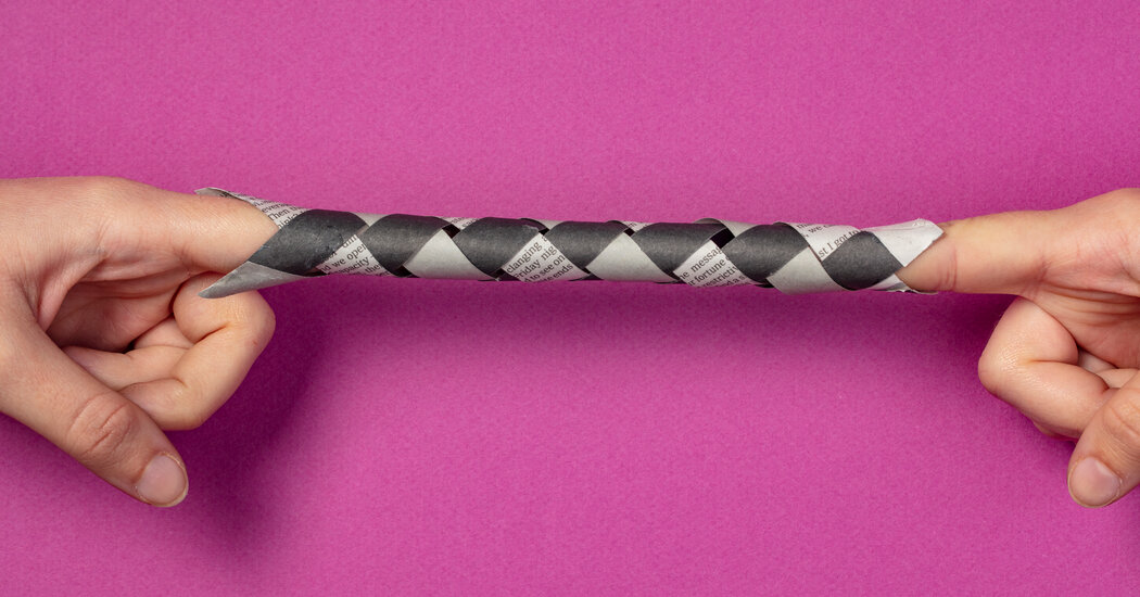 Make a Finger Trap From Newspaper