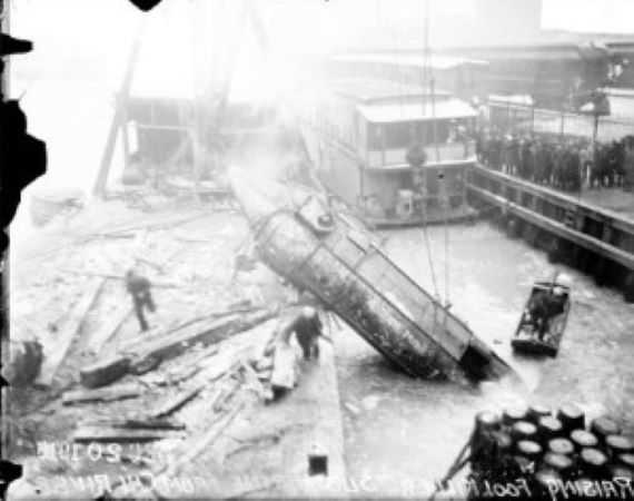 The Time a Mystery Submarine Was Found at the Bottom of the Chicago River