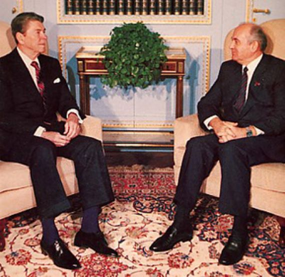 The Time Reagan and Gorbachev Struck an Alliance Against Alien Invaders