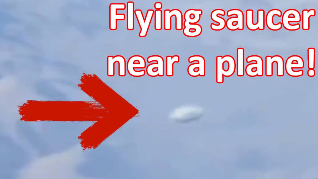 Amazing UFO video! Flying saucer making maneuvers near a plane