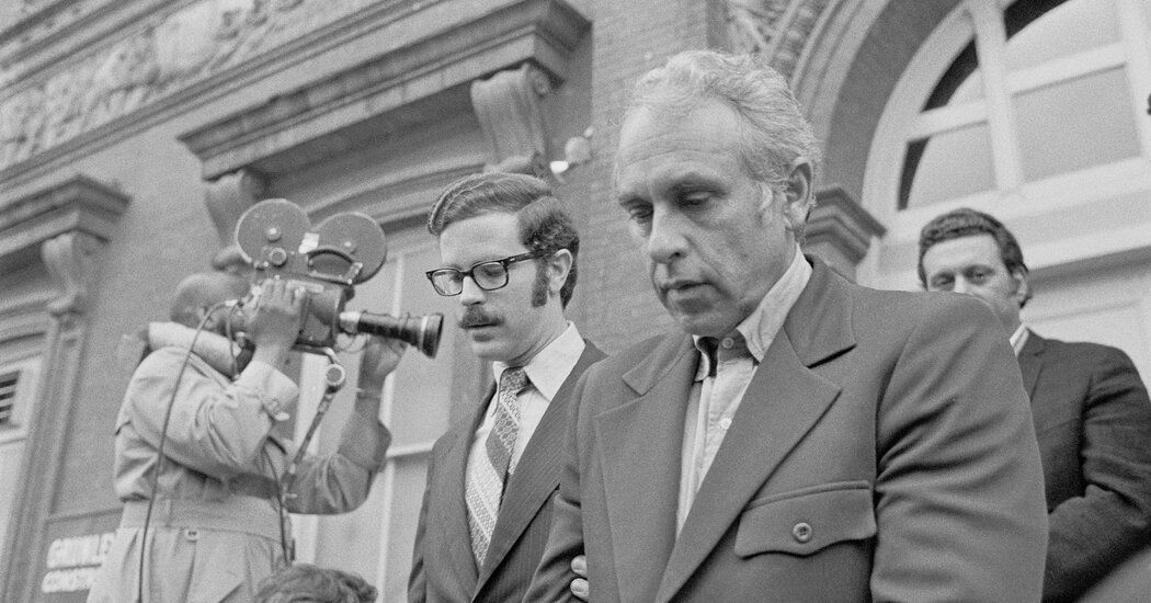 Eugenio Martinez, Last of the Watergate Burglars, Dies at 98