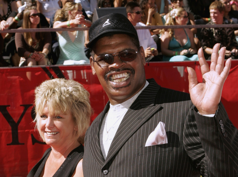 Former heavyweight boxing champion Leon Spinks dies aged 67