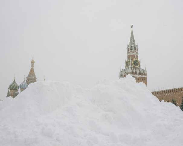 Russians grumbled over last year's mild winter. Now Moscow has a 'snow apocalyse.'