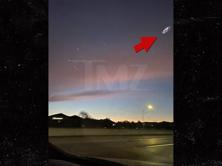 UFO Sighting Clear Shots of the 'Mother Ship' … On Outskirts of L.A.!!! – TMZ