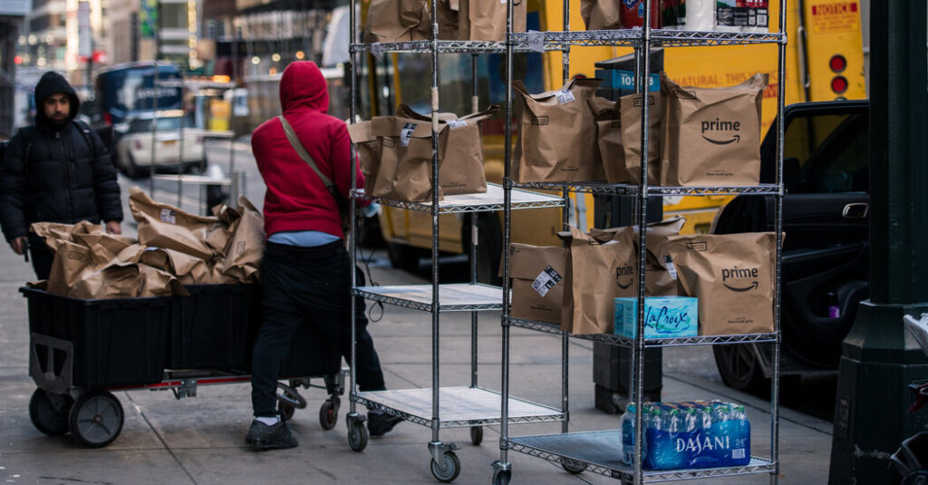 Amazon Expands in N.Y.C. as Pandemic Sends Shoppers Online