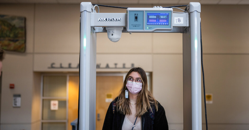 Colleges That Require Virus-Screening Tech Struggle to Say Whether It Works