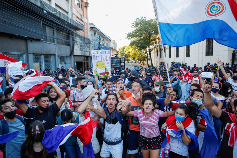 Paraguay's president asks all ministers to resign after protests