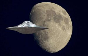 UFO over the Moon was accidentally filmed by an Italian astronomer