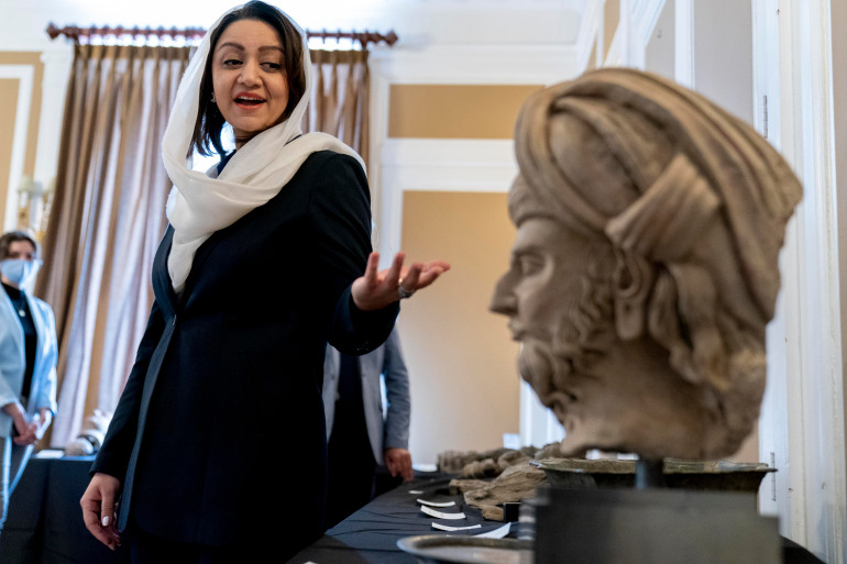 'Priceless' relics seized from smugglers to return to Afghanistan