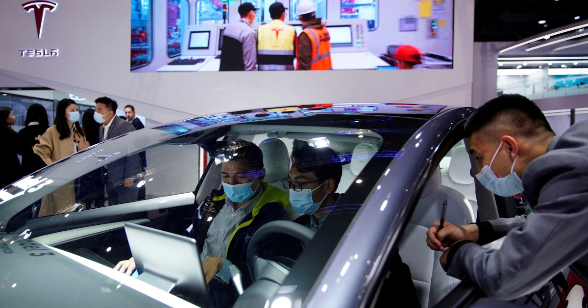 Tesla apologises to Chinese consumers, plans to remedy complaints