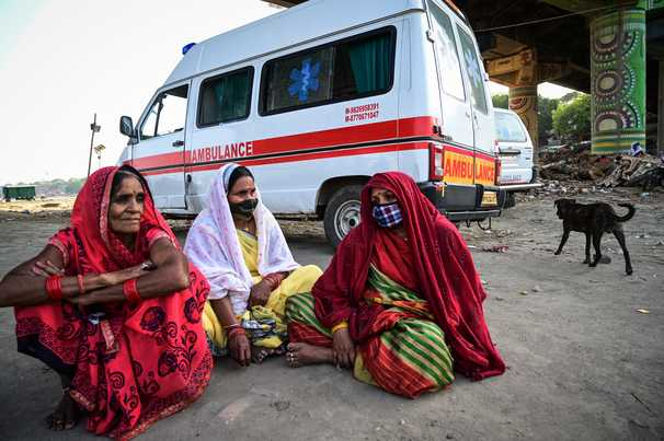 Covid-19 live updates: India breaks its own records again with 412,000 new cases and nearly 4,000 deaths in 24 hours