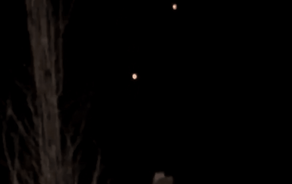 Two UFOs filmed over Levittown, NY