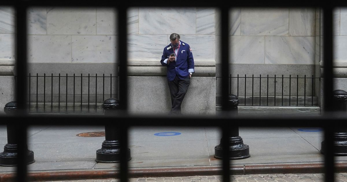 Wall Street closes sharply lower as inflation worries mount