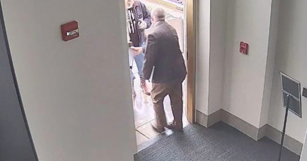 Oregon House Ejects Mike Nearman for Aiding State Capitol Breach