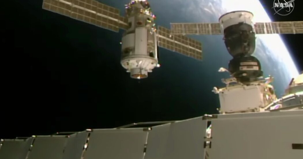 Russia Docks New Space Station Module: Live Video Stream