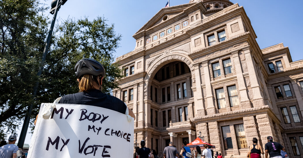 Justice Dept. Asks Judge to Block Texas From Enforcing Abortion Law